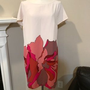 Cream and floral print short sleeved dress size 16